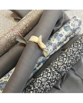 Liberty stofstykke 45x65cm - Ensfarvet grey